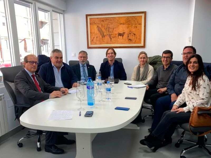 AVEE se reúne con el Consejo de Colegios de Veterinarios de Castilla y León
